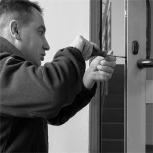Naprawa zamków w drzwiach Stęszew